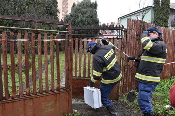 Hasiči sa na Novú ulicu presunuli z požiaroviska na Ovručskej.
