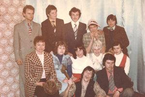 Ploty stavať netreba, rok 1977, mládežníci.