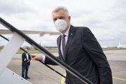 Minister zahraničných vecí a európskych záležitostí SR Ivan Korčok nastupuje do vládneho špeciálu pri príležitosti oficiálnej návštevy premiéra SR v Českej republike.