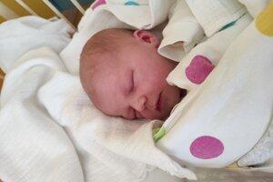 Veronika Dovičínová (3480 g, 49 cm) sa narodila 1. apríla Michaele a Martinovi z Bánoviec.