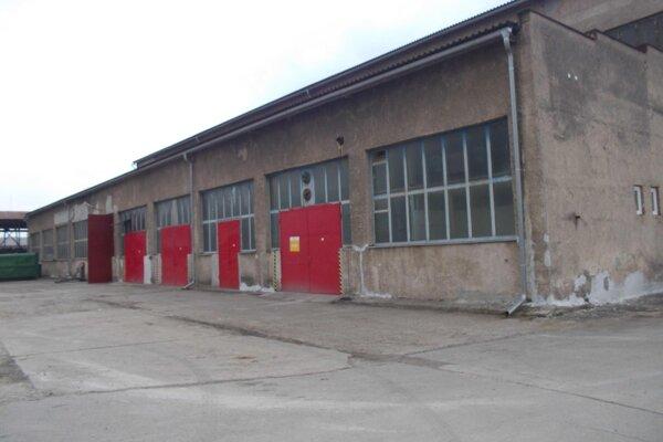 Areál a hala na Jesennej ulici, ktoré už využívajú Technické služby mesta Prešov.