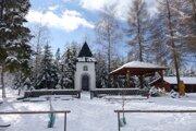 Okolie kaplnky v obci využívajú na mnohé priležitosti