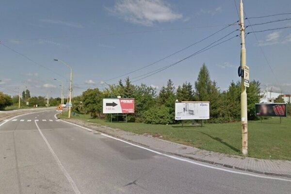 Na tomto mieste bude zriadená zastávka Autocamping náhradnej autobusovej linky X9 v smere z Jazera.