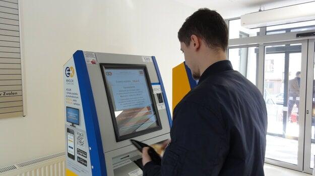 Automat na kolky v klientskom centre.