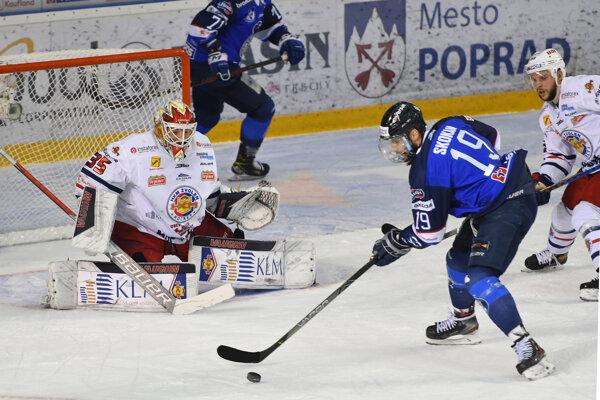 Robin Rahm inkasoval vo štvrtom finálovom zápase od Popradčanov šesť gólov.