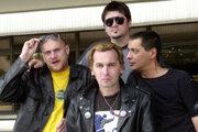 Zľava spevák Whisky, Braňo Alex (v popredí), Sveťo Korbel (v pozadí) a Ďuro Černý.