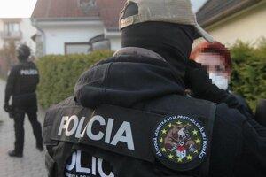 Polícia auto zastavila v Ružomberku.