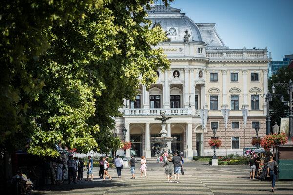 Historickú budovu dočasne zatvoria, dôvodom je havarijný stav objektu.