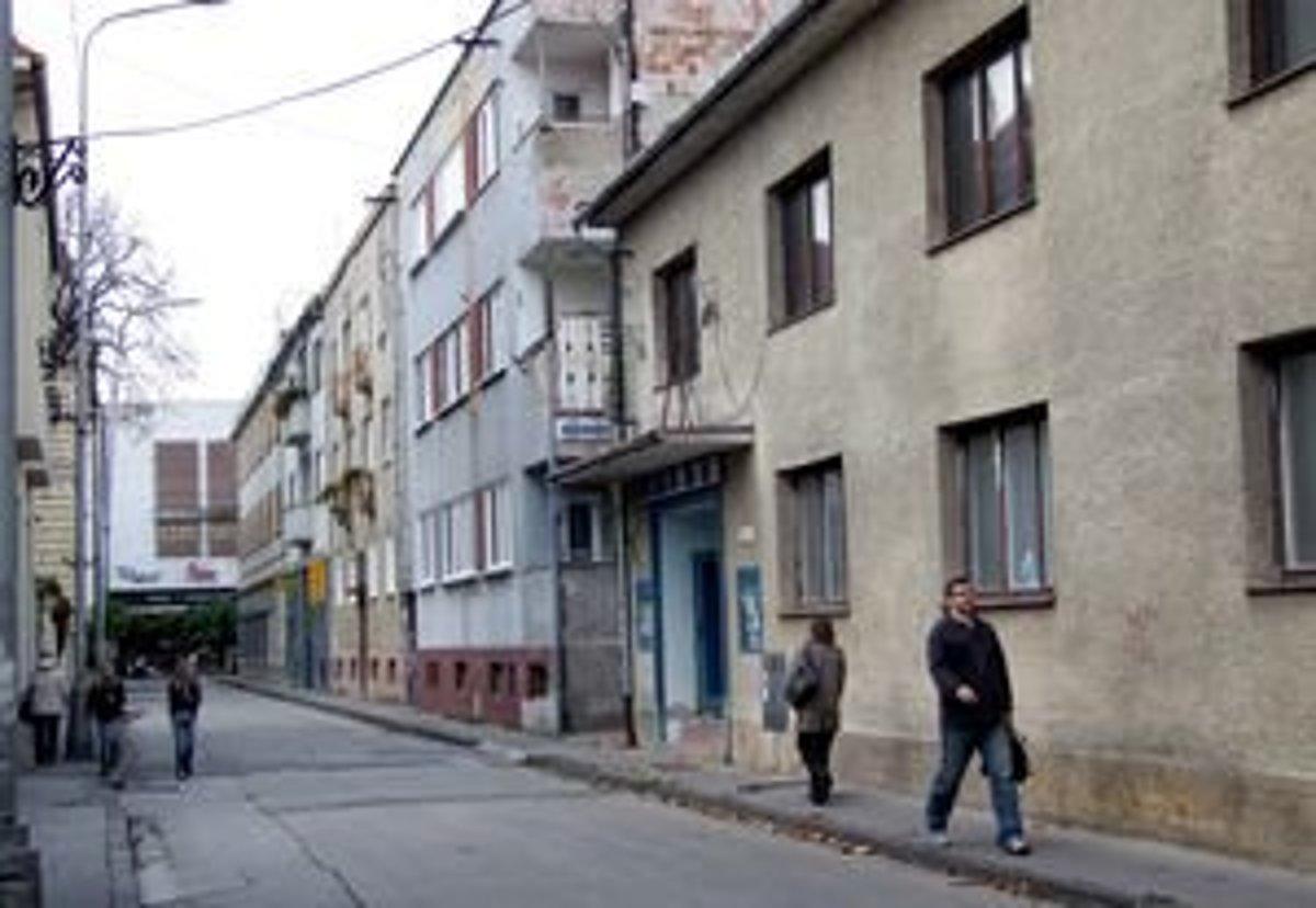 bedc2feac Kino skončilo s premietaním v roku 2005. Budova na Radlinského ulici z roku  1924 bola