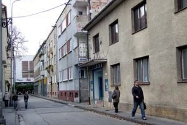 Kino skončilo s premietaním v roku 2005. Budova na Radlinského ulici z roku 1924 bola istý čas na zozname prebytočného majetku. Vlani ju z neho vyradili.