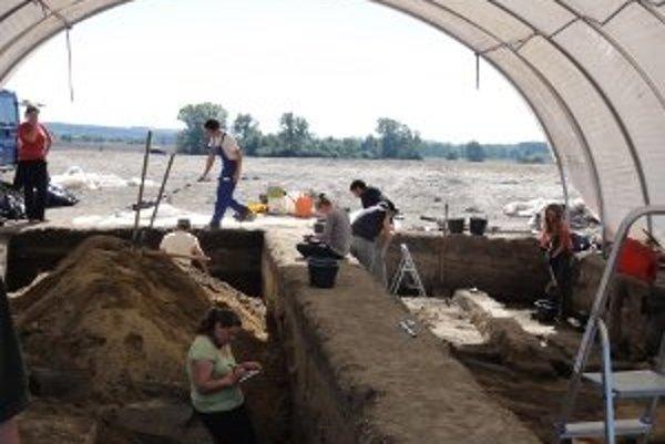 Slovensko-nemecký tím archeológov odkrýva záhady mesta, ktoré ležalo v blízkosti dnešných Vrábeľ.