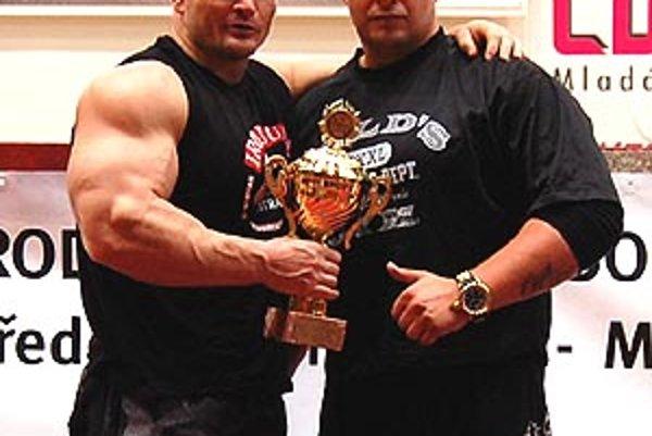 Vladimír Flimel (vľavo) s trénerom Jozefom Kopálkom.