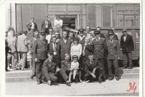 Dobrovoľný požiarny zbor vroku 1988 pri oslavách 60. výročia jeho založenia.