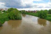 Rieka Nitra v Nových Zámkoch 18. mája predpoludním.