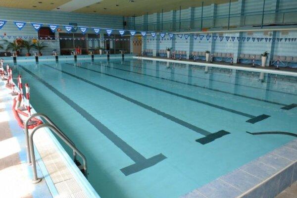 V bazéne sa bude môcť kúpať iba desať ľudí naraz.