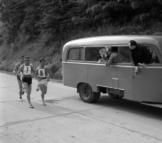 Prvým zahraničným víťazom bol v roku 1967 Švajčiar Walter Dietiker, na snímke na treťom mieste.