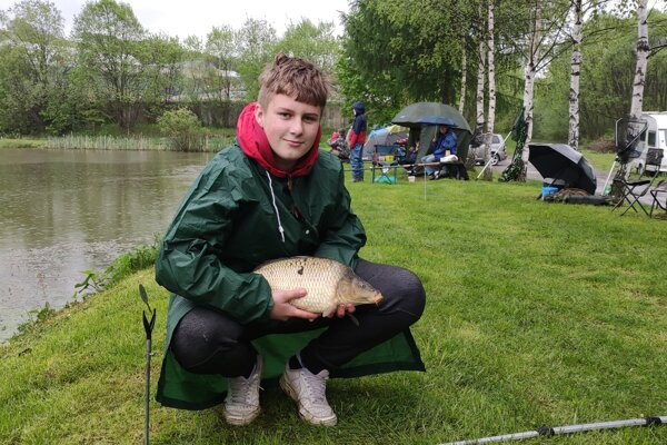 Preteky mladých rybárov na rybníku Svrčinovec