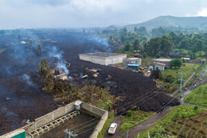 Láva sa zastavila na predmestí husto osídleného mesta Goma.