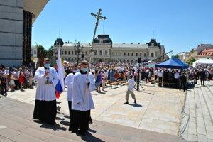 Slávnostná svätá omša sa už minulý rok niesla aj v duchu protipandemických opatrení.