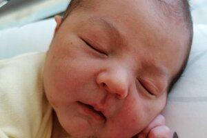 Oliver Bližniak (3740 g, 50 cm) sa narodil 7. mája Nikol a Martinovi z Omšenia.