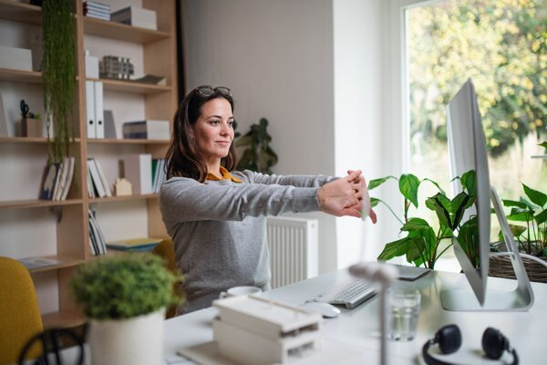 Pri práci z domu zamestnanec ušetrí čas na cestovanie. Už ho len efektívne využiť.