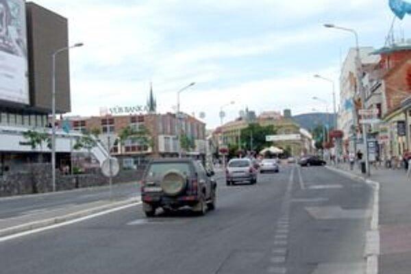 Mesto chce výrazne obmedziť dopravu na úseku od bývalej Tatry po križovatku pred Tescom.