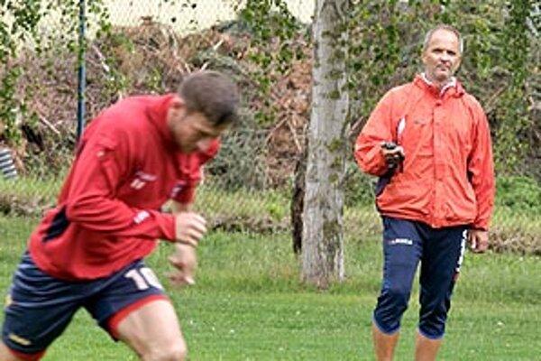 Zlatomoravčania odštartujú novú sezónu dvoma duelmi na ihriskách súperov. Tréner Juraj Jarábek sa bude spoliehať na niekoľko skúsených hráčov (medzi nich patrí aj Andrej Hodek), no šancu dostane aj nastupujúca generácia.