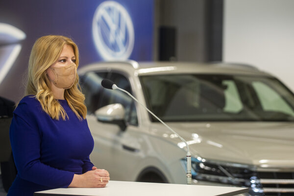 Prezidentka Zuzana Čaputová počas návštevu Volkswagenu Slovakia.