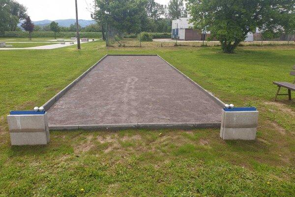 Nové petangové ihrisko v Topoľčanoch.