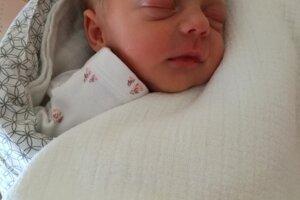 Linda Zigo (2030 g, 43 cm) sa narodila 8. mája Lucii a Marekovi z Dolnej Súče.