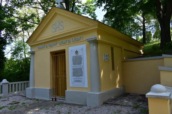 Pohrebná kaplnka prešla pred dvoma rokmi obnovou.