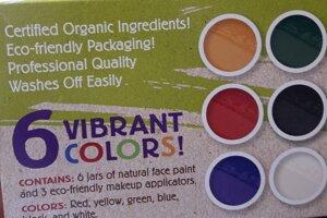 Súprava na maľovanie tváre od spoločnosti Natural Earth Paint. Set je zabalený v zeleno-béžovej škatuľke. Súprava obsahuje šesť nádobiek s prírodnou farbou na tvár a aplikátory na mejkap.