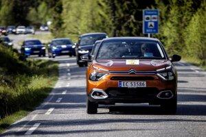 Všetky elektromobily mali rovnaké podmienky, keďže išli naraz za sebou.