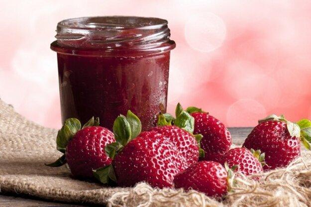 Zavárame s Korzárom: Jahodový džem z rúry bez nekonečného miešania. Ak máte o recept záujem, kliknite na obrázok.