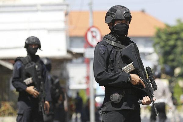 Indonézski policajti