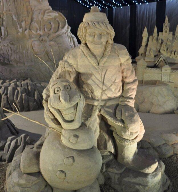 Aj takéto sochy nájdete v pieskovom kráľovstve.