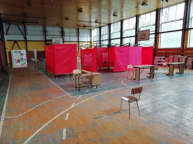 V Gelnici v piatok očkovali v priestoroch základnej školy.