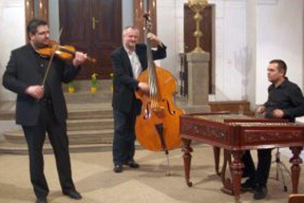 PaCoRa Trio v Synagóge: zľava Stanislav Palúch, Róbert Ragan a Marcel Comendant.