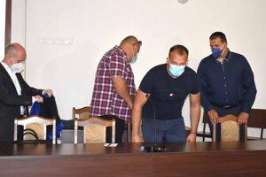 Zľava obhajca Sergej Romža, Maroš, Martin a Branislav Paškovci.