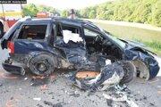 Jedno z vozidiel po nehode.
