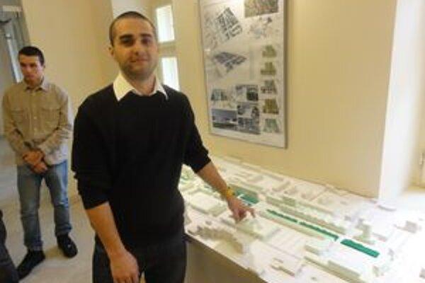 Študent Jakub pracoval na projekte 12 týždňov.