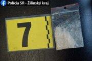 Mladíka z Čadce obvinili z drogovej trestnej činnosti.