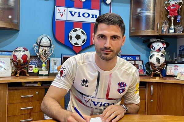 Do prvých prípravných zápasov s Podbrezovou (1:3) a Šamorínom (3:4) ešte nezasiahol, Kubilay Yilmaz by si debut za ViOn mohol odbiť v sobotu proti Skalici.