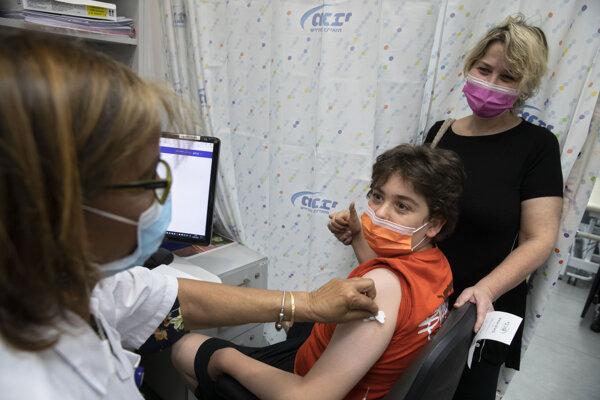 Očkovanie vakcínou Pfizer v Izraeli.