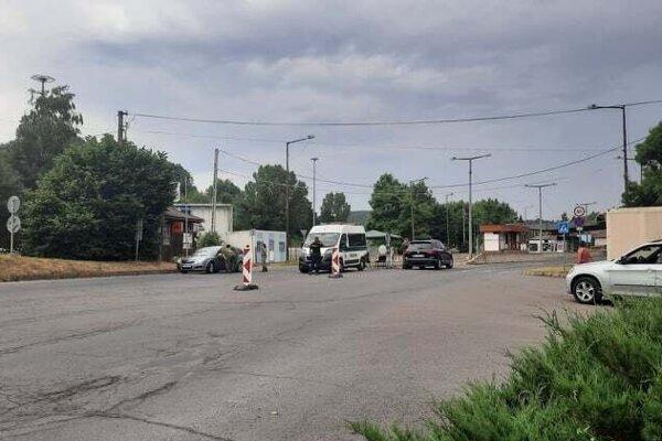 Piatkové (9. 7.) dopoludnie na hraničnom priechode v Šiatorskej Bukovinke bolo pokojné.