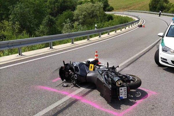Košičan zo zatiaľ nezistených príčin nezvládol vedenie motorky.