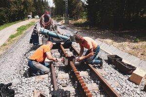 Práce na tatranskej ozubnicovej železnici.