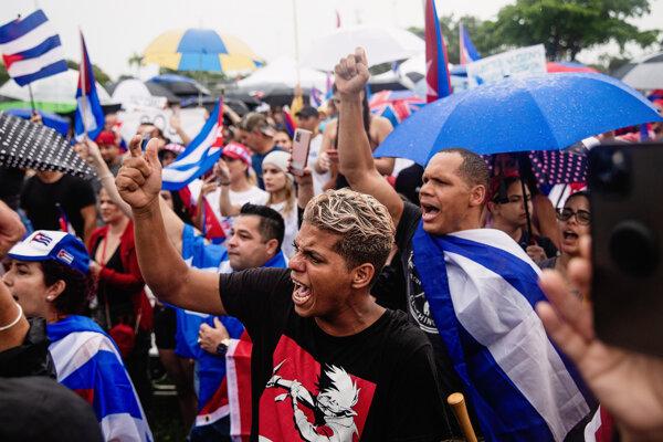 Mladí Kubánci v Miami