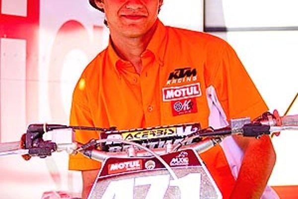 Filip Bíro je 18-ročný motokrosový talent z Nitry.