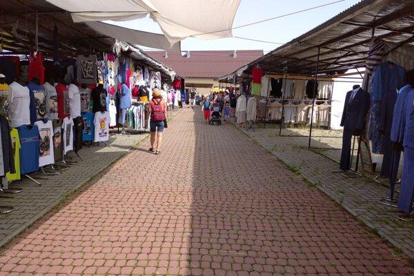 Na trhoch v poľskej Jablonke je prázdno.